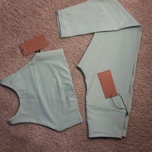 Sports bra + leggings bundle